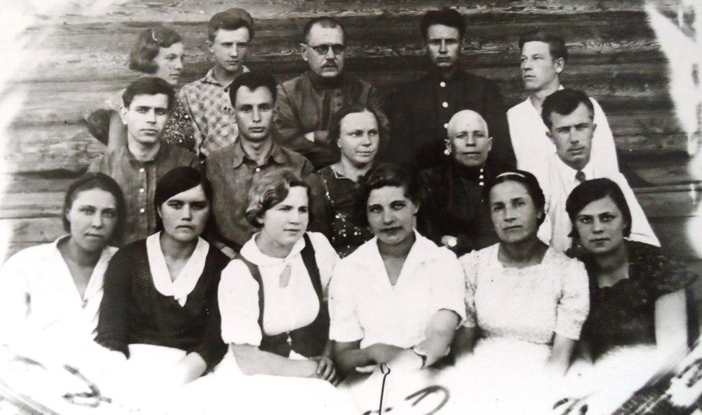 Коллектив учителей школы №1 села Братск