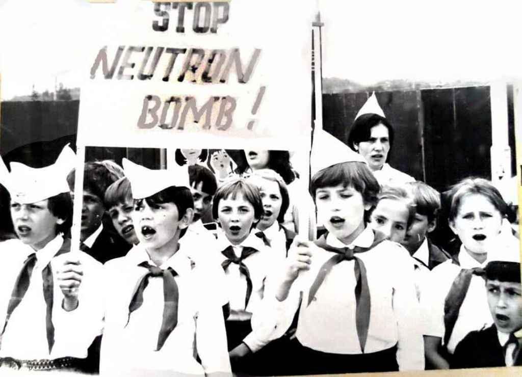 Stop neutron bomb