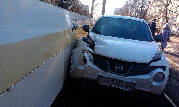 Харьковский транспорт притягивает несчастья (ФОТО)