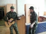 Татарские парни в армии Туган Яҡ под гитару =)