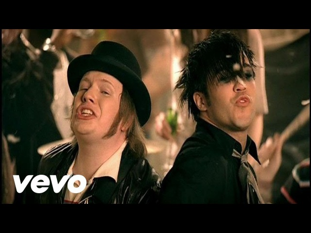 Fall Out Boy - This Aint A Scene, Its An Arms Race