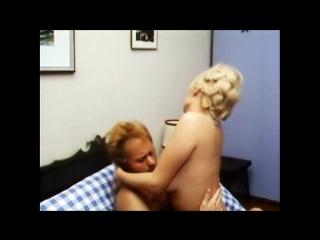 Эротический комедийный фильм 18 - А ну-ка девочка разденься