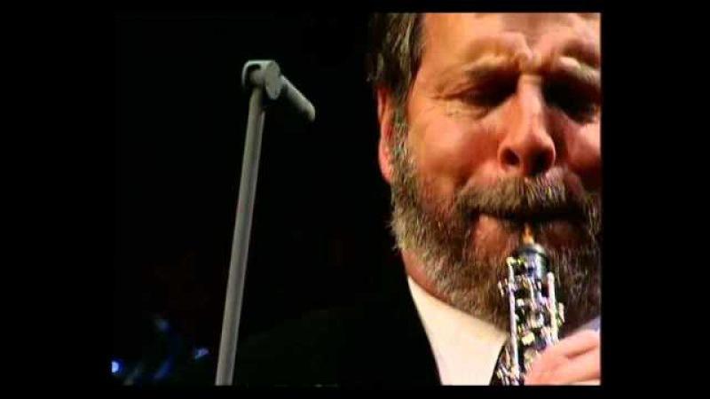 Henrik Chaim Goldschmidt plays