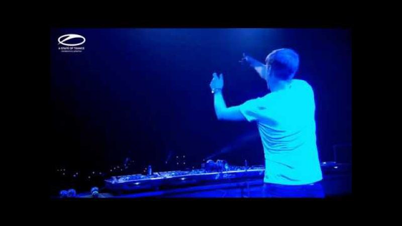 Jorn van Deynhoven - New Horizons (Anthem ASOT 650) Live Armin van Buuren ASOT 700 Sydney