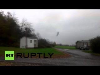 США: Военные дирижабль наблюдения идет в самоволку.