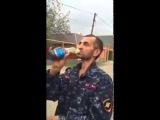 Асхаб Бурсагов и Володя Серноводский-Проверяет качество масла