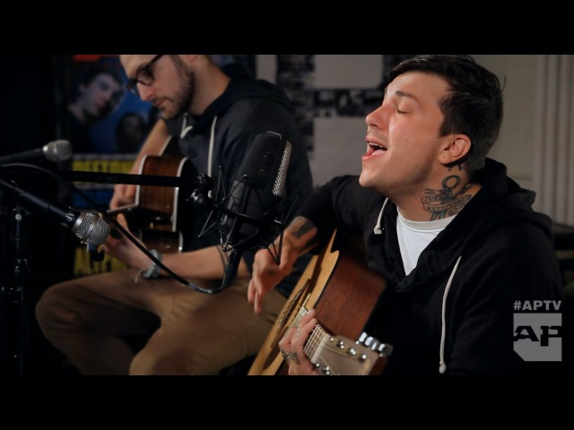 "APTV Acoustic Session: Frnkiero Andthe Cellabration - ""Tragician"""