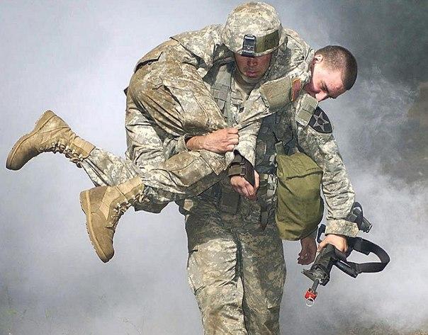 тренировка героев, переноска пострадавшего