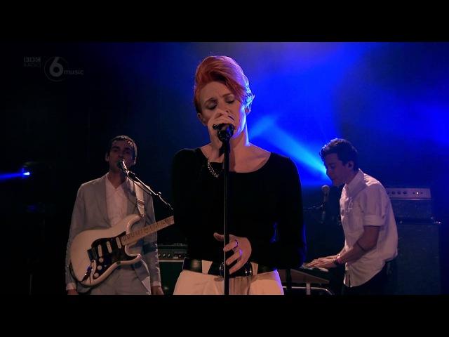 La Roux - Let Me Down Gently (6 Music Live October 2014)