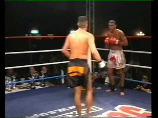Karim Mrabet vs Gokhan Saki Wereldtitelgevecht 11-01-2003 Thaiboksgala Hilversum