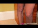 Сексуальная длинноногая красотка в тонких кароновых колготках Sexy leggy babe in thin karanovich pantyhose