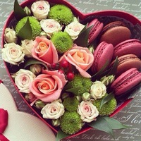 Flowerbox: коробочки с цветами и макаронс
