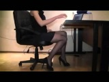 Босс атакует секретаршу в чулках Boss attacks secretary in stockings