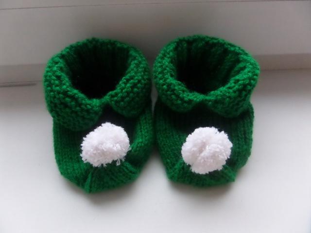 Вязание спицами Носки ботиночки с помпоном Вязание костюма гнома Knitting Hobby