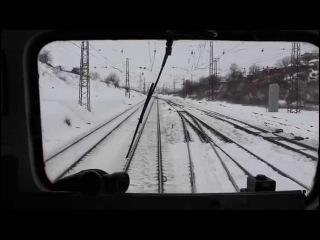 Взятие с места и разгон поезда электровозом ВЛ8м-596. Вес поезда 5785 тонн, 240 осей.