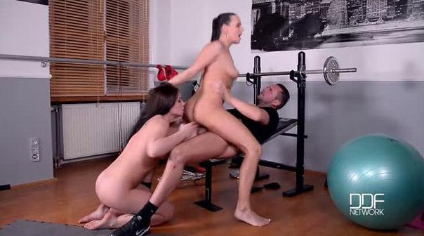 HouseOfTaboo – Wendy Moon, Mea Melone – Mouth Wash Mondays – Threesome With Golden Shower At The Gym
