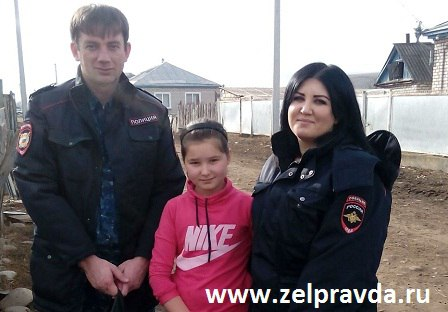 «Полицейский Дед Мороз» из станицы Зеленчукской поздравил детей  Урупского района