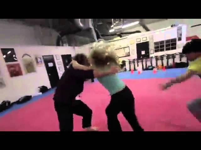 Nikki Stanley бой молодчина девушка