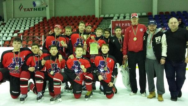 Юные хоккеисты Чистополя вышли в полуфинал турнира в Сочи