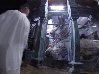 Скрытая съёмка в храме Рамешварам...