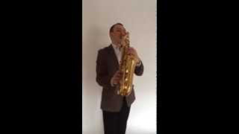 Видео-поздравление Максима Иванычева саксофониста на 8 марта