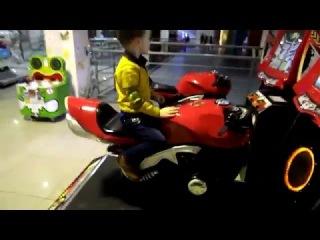 ТЦ 555/Колибрис. Детские игровые автоматы. Катаюсь на Мотоцикле