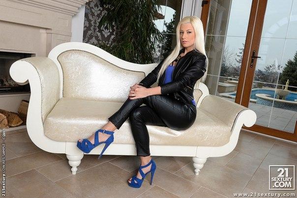 Jessie Volt - The Boss Lady