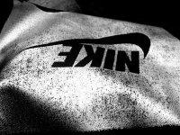спортивная одежда фирмы Nike.