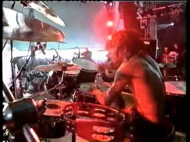 Soulfly - Fire / Umbabarauma live At Pinkpop 1999