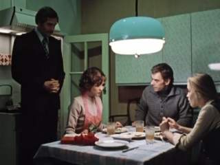 Москва слезам не верит 2 серия (1979)