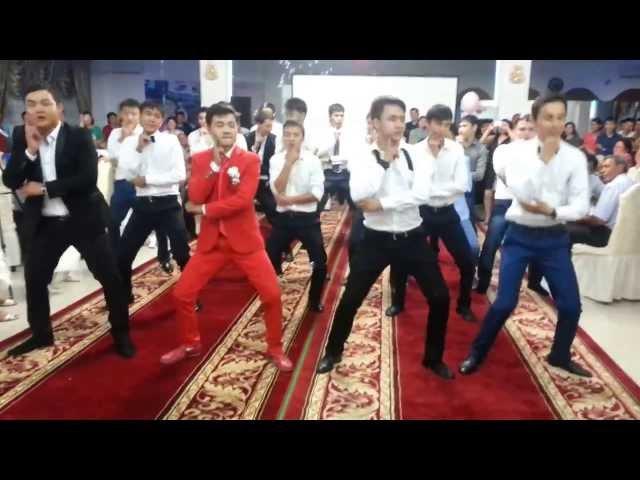 Абылайхан-Акбота Флешмоб на Свадьбе 23.08.13 жезказган