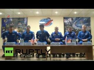 Россия: Экспедиция 44 экипаж проведет брифинг впереди путешествие на МКС.