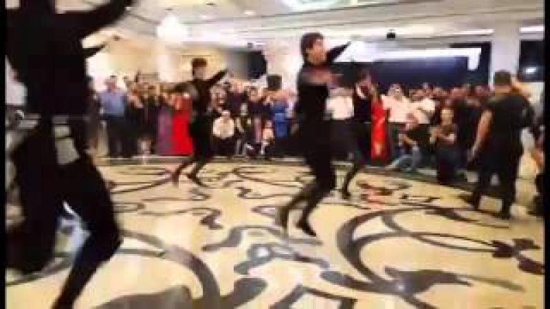 На свадьбе в Красноярске кавказцы и сибиряки уcтроили дружеский дэнс баттл