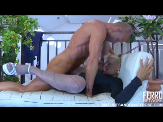 lesbi-porno-filmi-na-russkom-onlayn