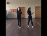 Классно танцуют девушки