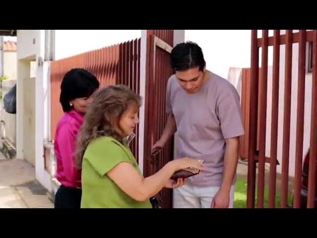 Удаленные добровольцы содействуют интересам Царства.082015 tv.jw.org