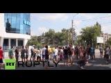 Украина: Протестующие окружают офисы ОБСЕ в Луганске.
