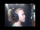 9-ти летняя девочка перепела Кристину Агилеру.