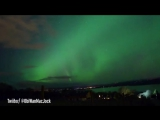 Яркое северное сияние поразило жителей Британии (видео)