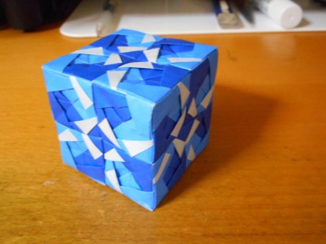 薗部式ユニット折り紙 立方体 48パーツ blue ver. 【Modular origami】
