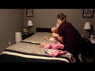 Как быстро и весело уложить спать 4 детей?)