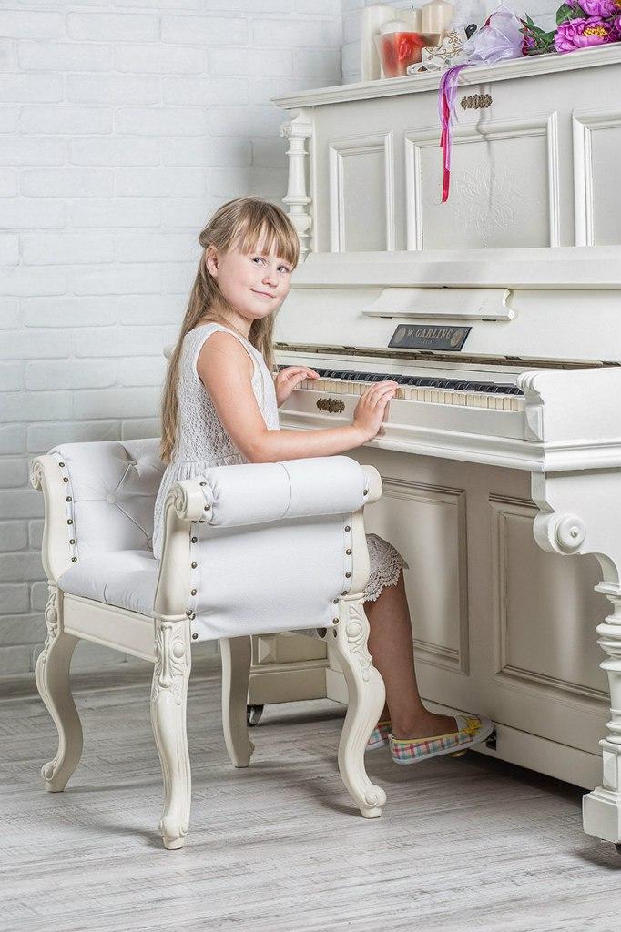 Фотосессия с белым роялем в сумах