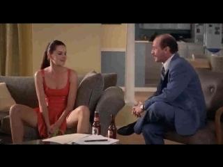 Парень развлекается с молодой брюнеткой на полу  частное порно эротика домашнее секс супер  Скрытая камера зрелая домашка