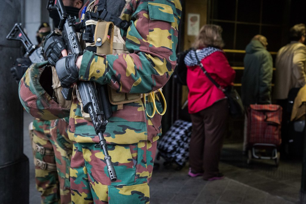 Armée Belge / Defensie van België / Belgian Army  - Page 2 AEqONaPGN14