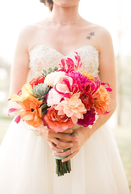 aulLYyjvMjY - Лучшие свадебные букеты сезона 2015