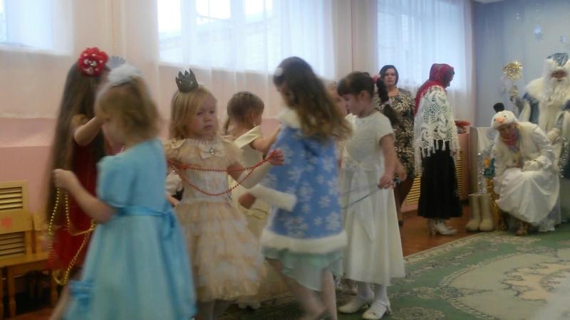 Сашуля танец бусинок садик