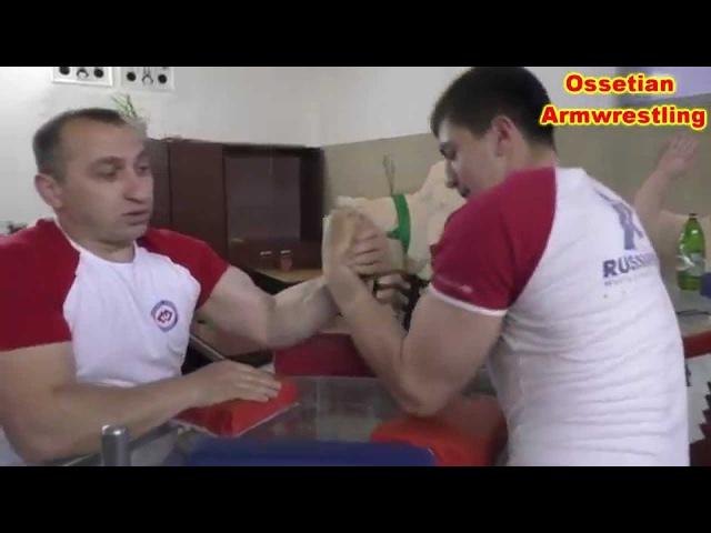 Тренировки по армрестлингу в спортзале Озате с Ибрагимом Чочиевым Armwrestling