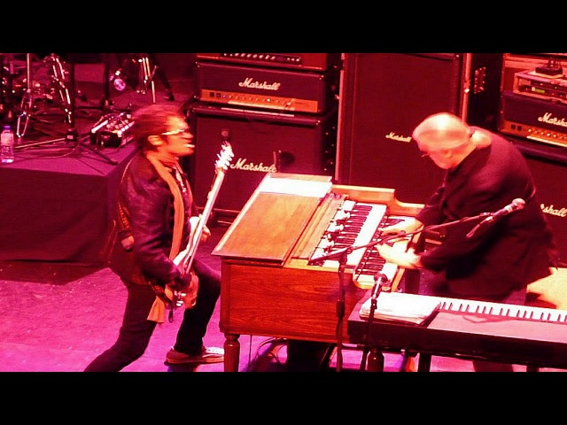 Glenn Hughes with Jon Lord - You Keep On Moving - LIVE in 2009