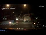 Дорожные войны-Новая подборка аварии и ДТП от Дорожные войны за 12.12.2015_Видео №710.