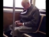 Когда подарил своему деду современный смартфон